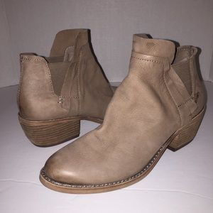 Dolce Vita Tan Leather Ankle Booties Boots 8.5